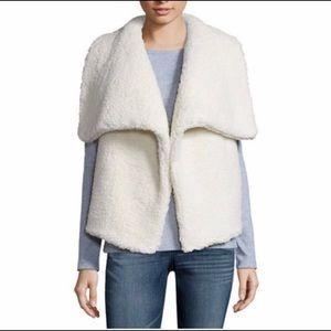 🎉🎉HP🎉🎉Ana cream Sherpa Vest 🐑